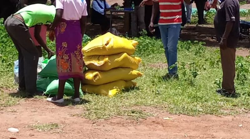 In Picture : Master Farmers getting their farm inputs