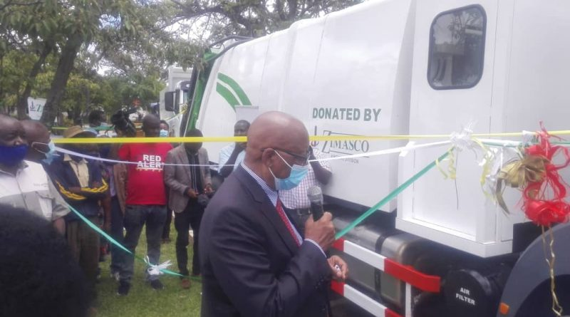 In Picture : Refuse collection trucks donated by Zimasco to Kwekwe city
