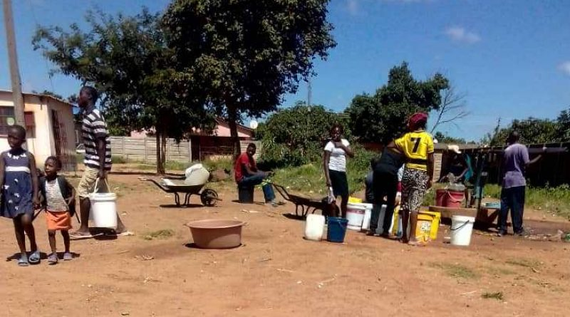 In Picture : Women at a borehole in Gweru